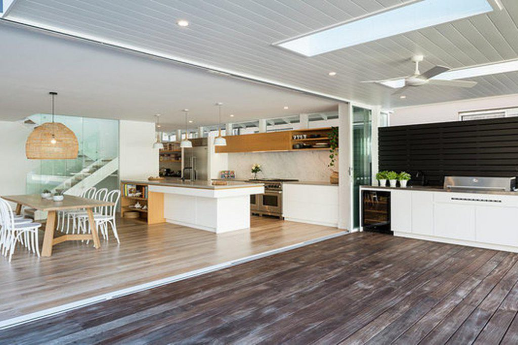 Luxury at Myola holiday home newport